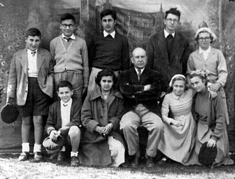 1954. Carvalho Calero na feira de Castroncám. Arq. Fingoi